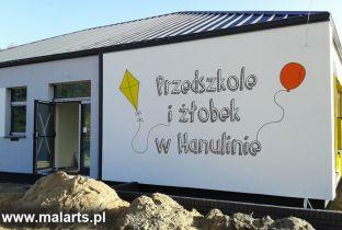 Hanulin - malowane elewacje przedszkola